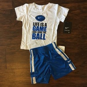 NWT Nike Toddler 2 piece set Tee and Shorts 12M.